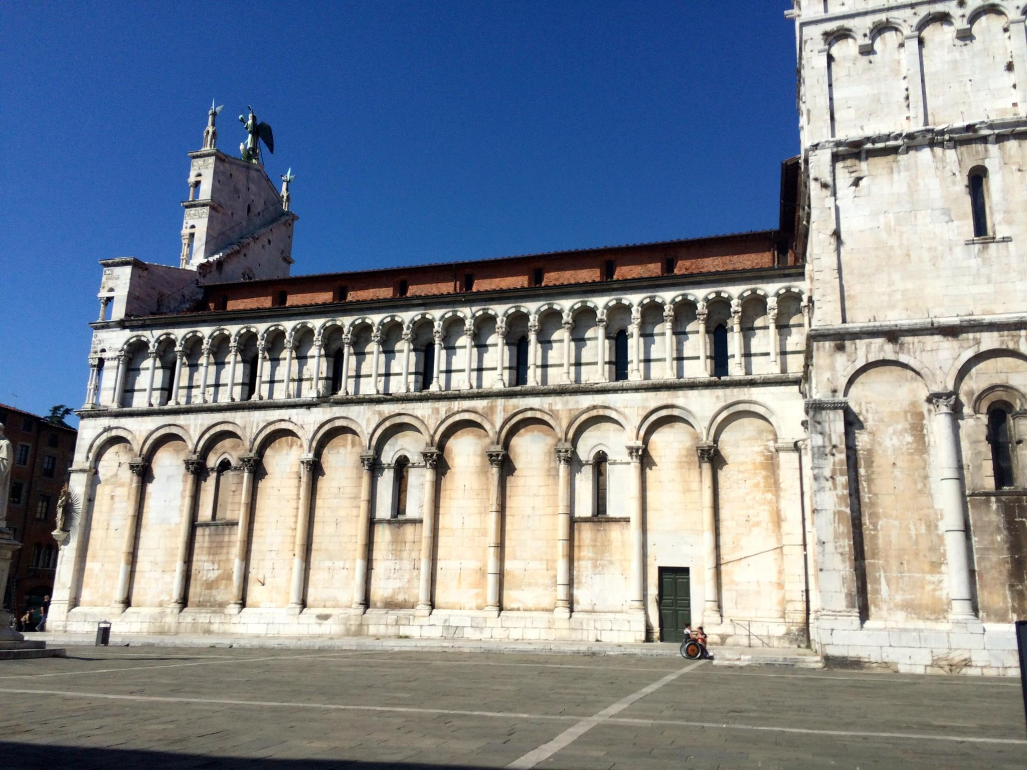 Lucca, Italy - A Trip to Tuscany, Itlay - The Pike's Place