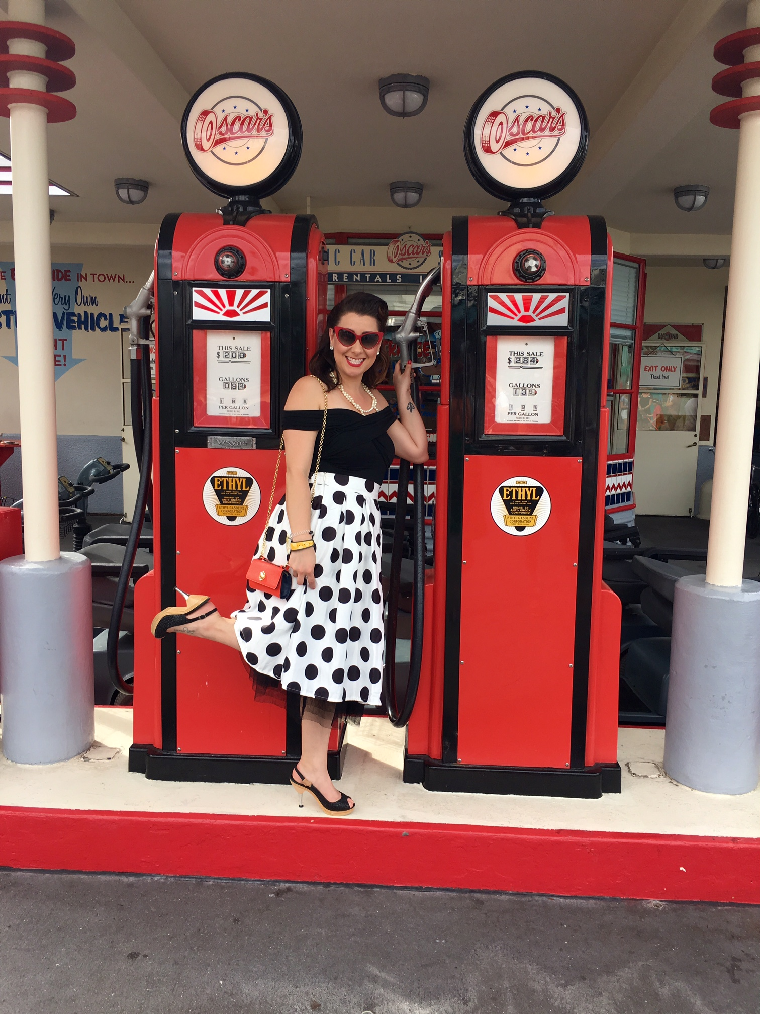 Disney Dapper Day Outfits - Minnie Mouse Black & White